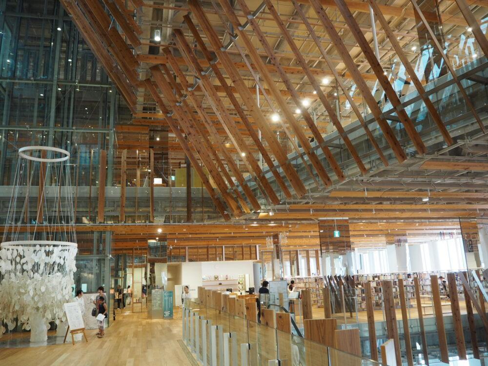 富山市ガラス美術館2