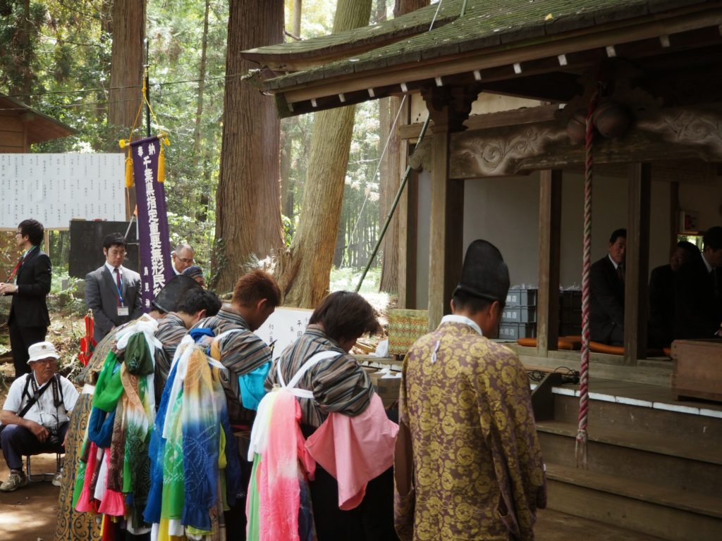 鳥海神社の獅子舞2
