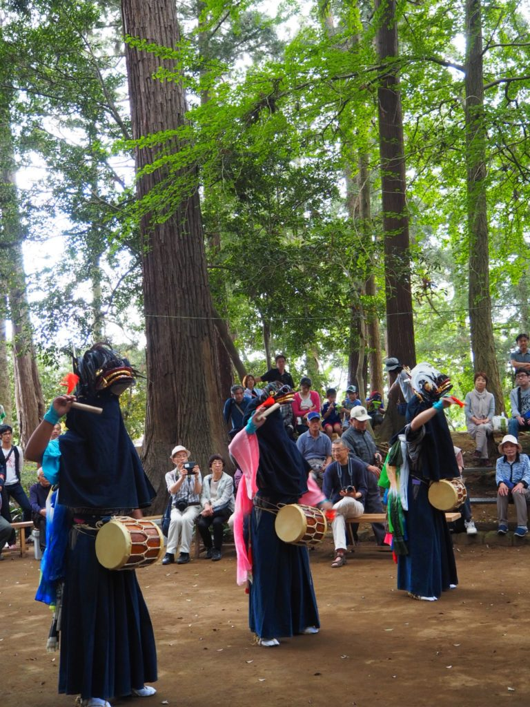 鳥海神社の獅子舞3
